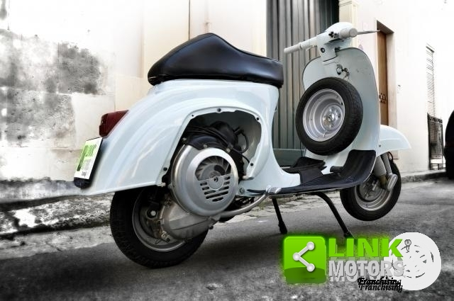 1970 VESPA V51AT COMPLETAMENTE RESTAURATA For Sale (picture 2 of 6)