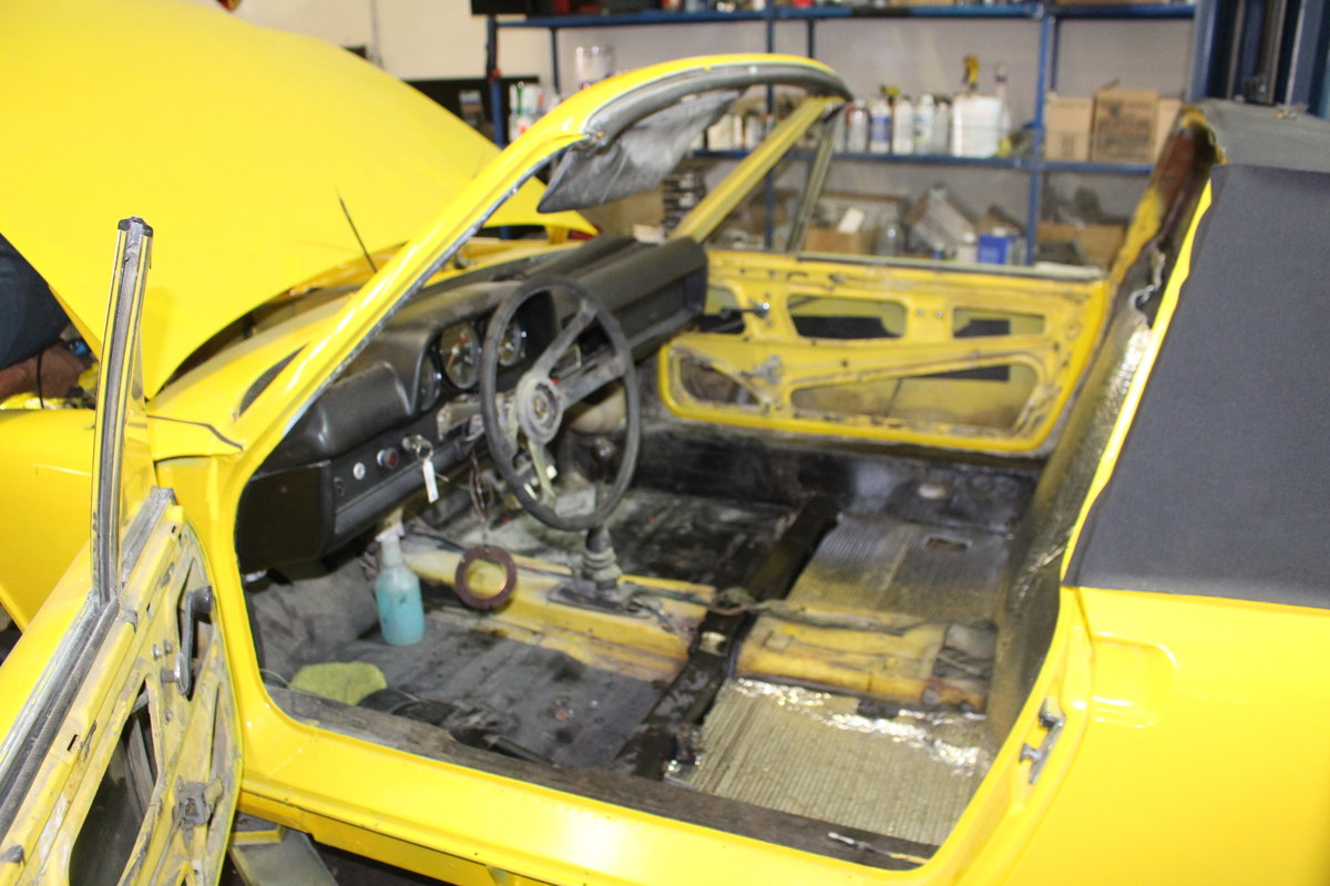 1970 Porsche 914-6, Canary Yellow, restored, drives great! For Sale (picture 2 of 6)