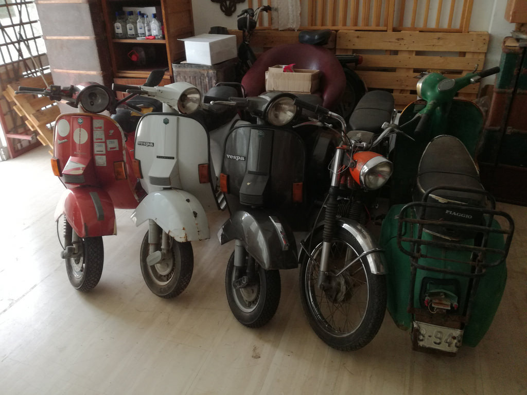 1988 Vespa collection and bajaj  For Sale (picture 5 of 6)