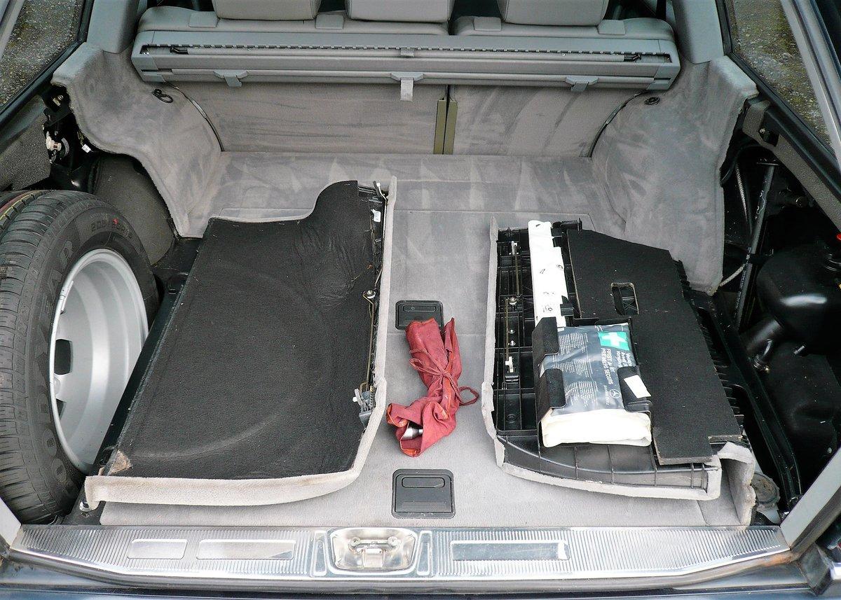 1996 Mercedes-Benz E320 W124 Sportline Estate - Low Mileage & FSH SOLD (picture 4 of 6)