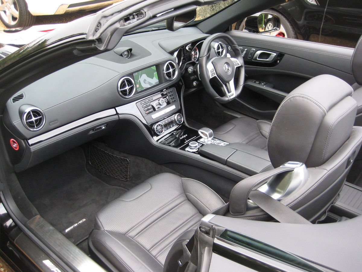 2012 Mercedes Benz SL63 AMG With Over £12k Of Optional Extras For Sale (picture 3 of 6)