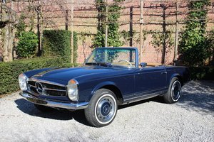 Outstanding Mercedes 280 SL Pagoda from 1968 with hardtop For Sale