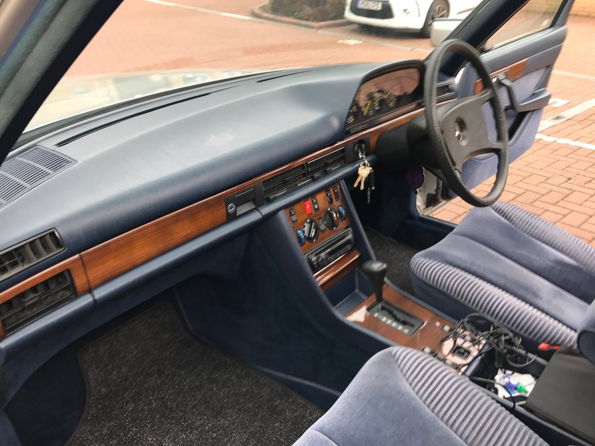1982 Mercedes w126 For Sale (picture 5 of 6)