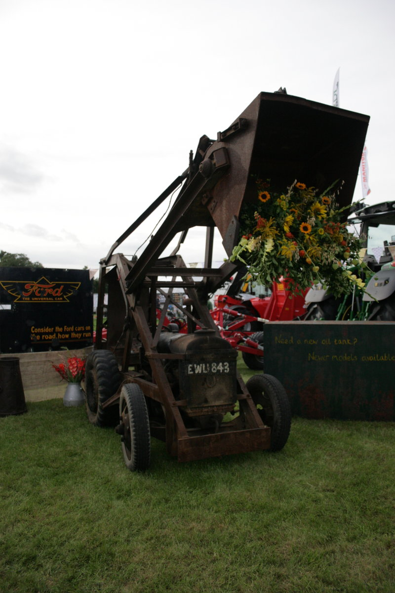 Fordson Chaseside Loading Shovel For Sale (picture 1 of 1)