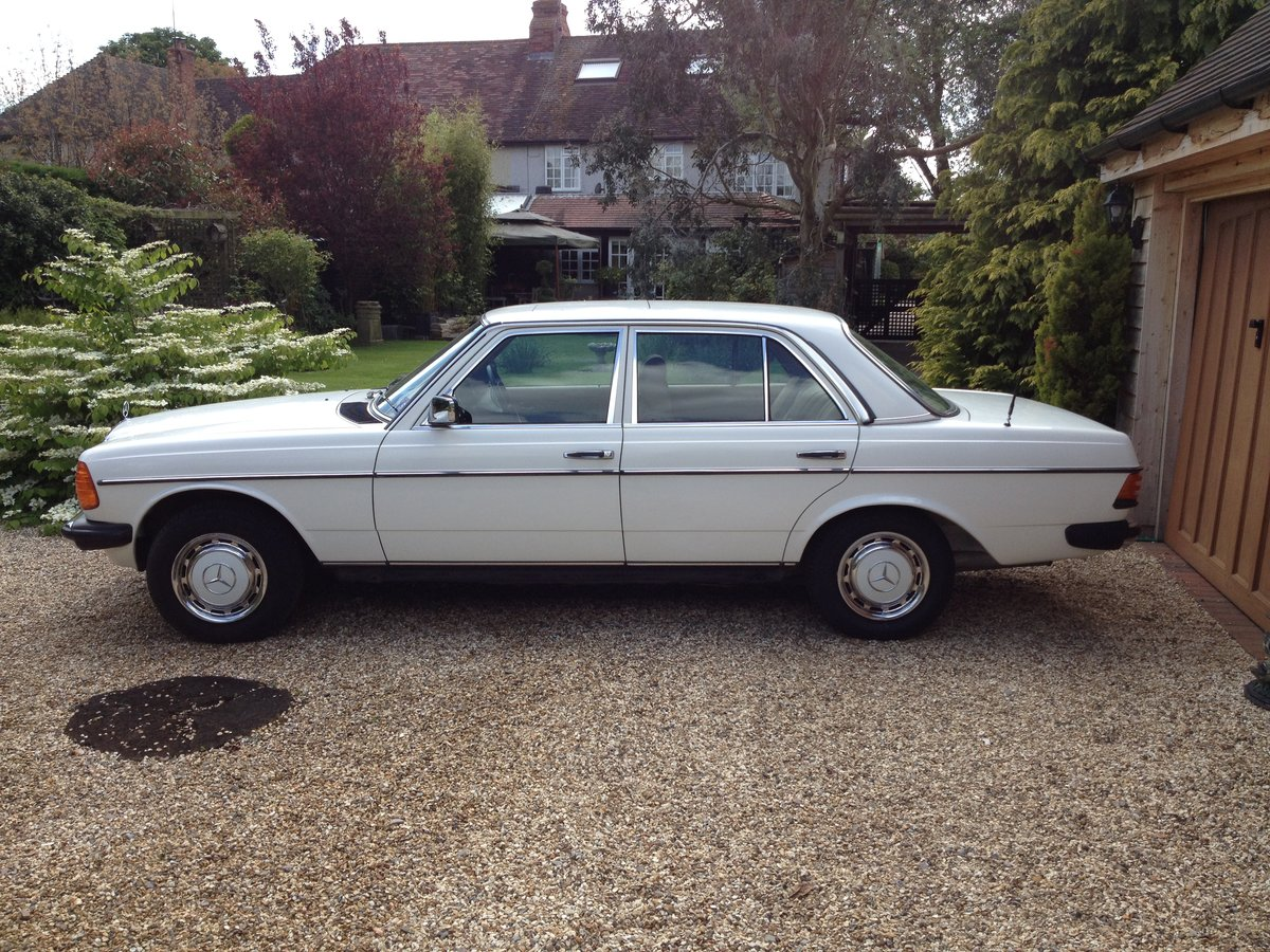 1983 Fabulous Merc 230E (W123)  For Sale (picture 2 of 6)
