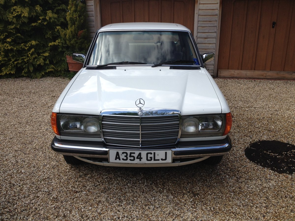 1983 Fabulous Merc 230E (W123)  For Sale (picture 3 of 6)