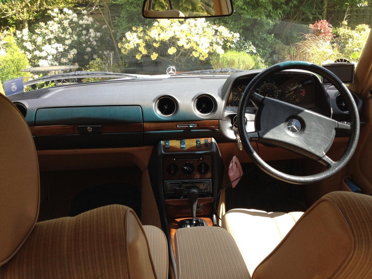 1983 Fabulous Merc 230E (W123)  For Sale (picture 6 of 6)