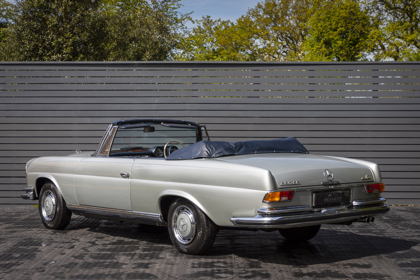 1972 Mercedes-Benz 280 SE Cabriolet 3.5 For Sale (picture 2 of 6)