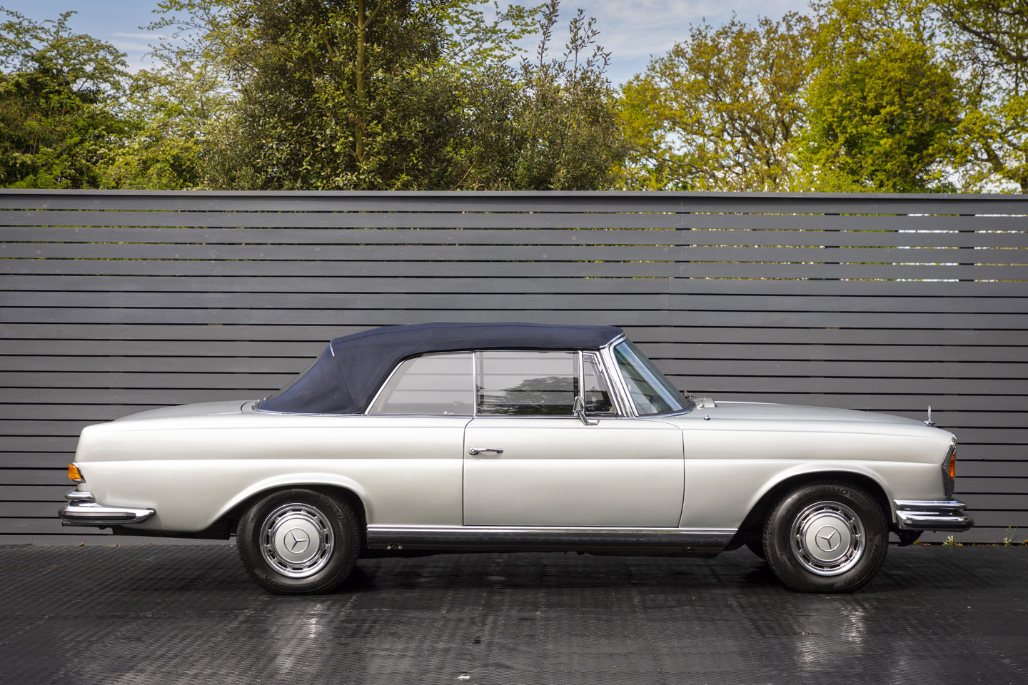 1972 Mercedes-Benz 280 SE Cabriolet 3.5 For Sale (picture 3 of 6)