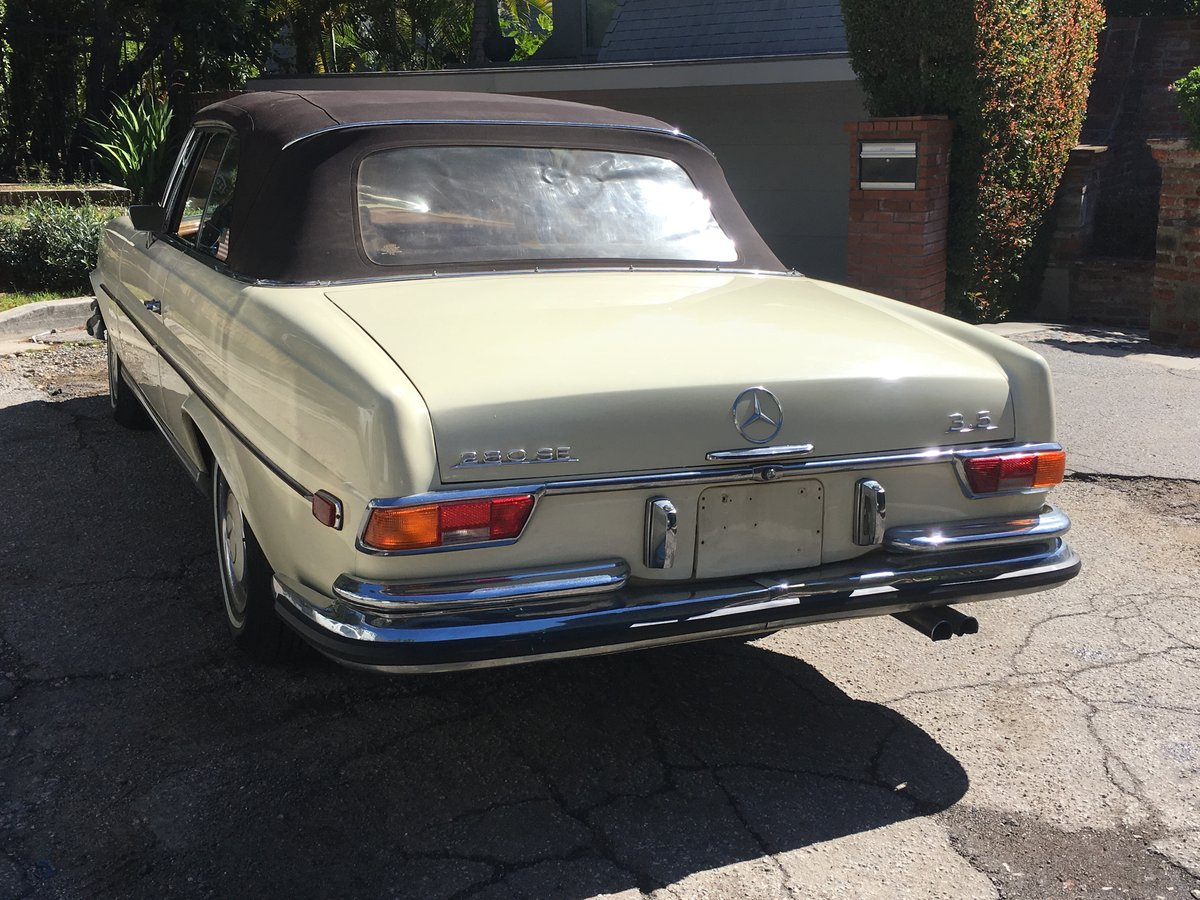 1971 Mercedes-Benz 280SE 3.5 Cabriolet #22811 For Sale (picture 4 of 6)