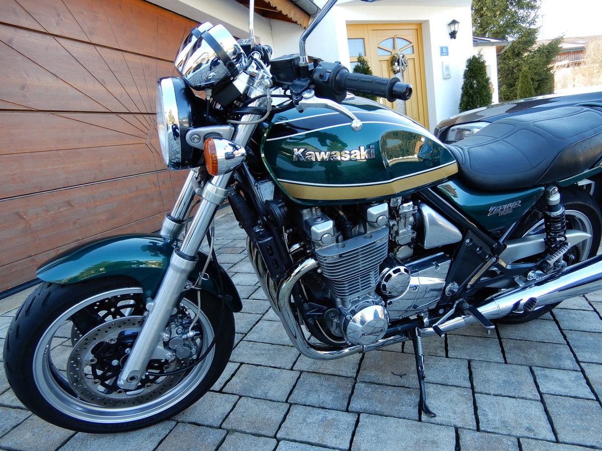 1994 Kawasaki Zephyr 1100 stunning colour and state LOOK SOLD (picture 2 of 6)