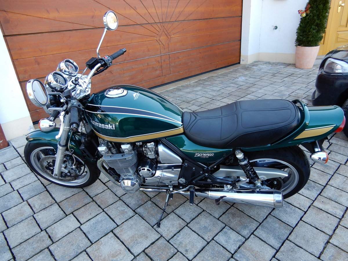 1994 Kawasaki Zephyr 1100 stunning colour and state LOOK SOLD (picture 5 of 6)