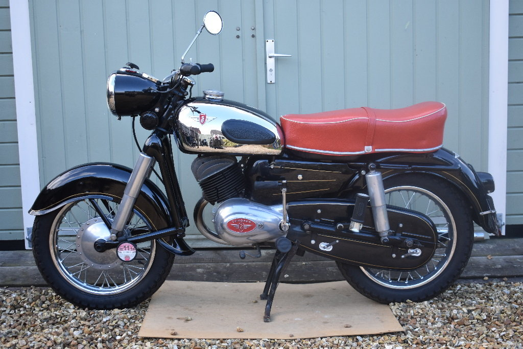 A 1957 Zündapp 201S - 01/06/2019 For Sale by Auction (picture 1 of 6)