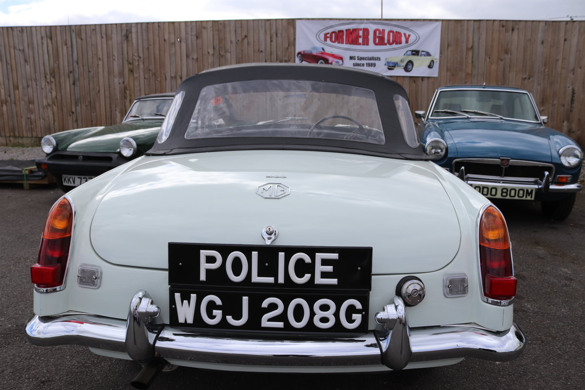 1969 MGC Ex Police Car SOLD (picture 1 of 6)