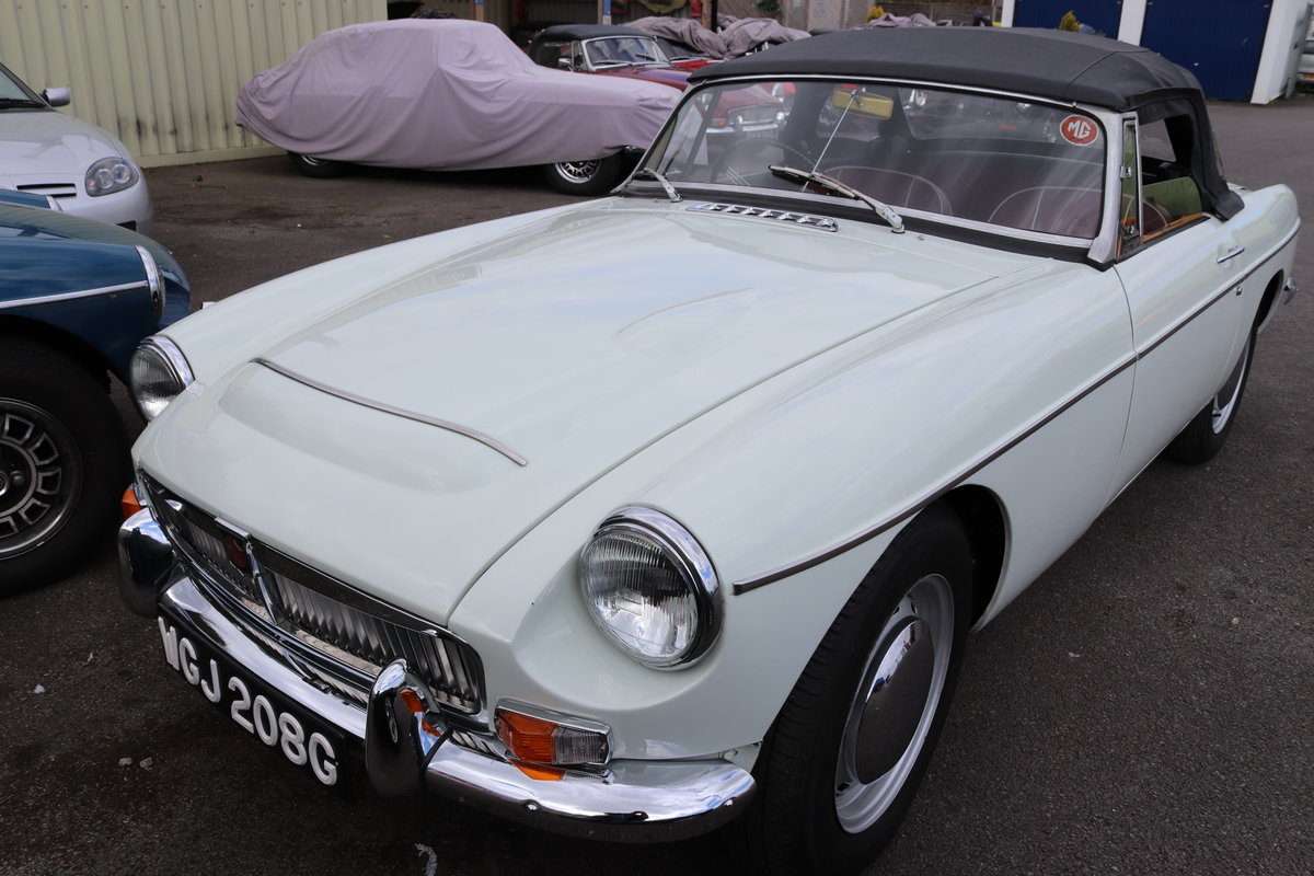 1969 MGC Ex Police Car SOLD (picture 2 of 6)