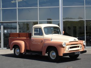 International Harvester S-100 Series Pick-Up 1956