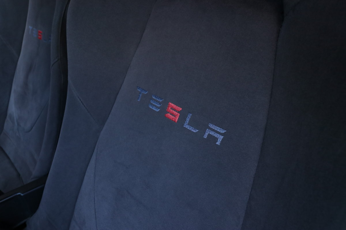 2010 Rare Tesla Roadster Sport Model, 1 of 250 Signature Edition For Sale (picture 6 of 6)