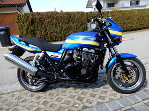 1998 Kawasaki ZRX1100 R Unique DAEG style in candy police colours