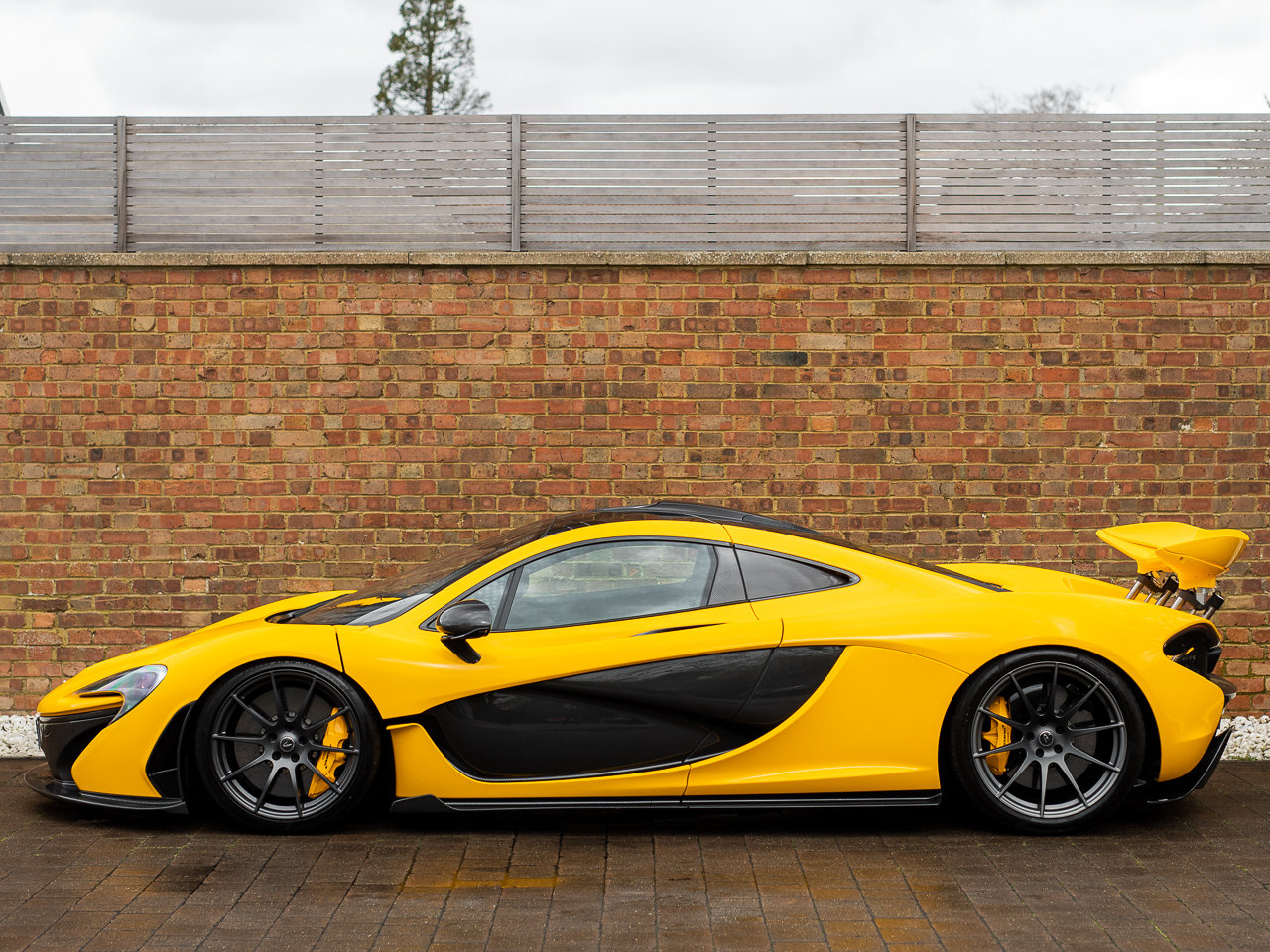 2013/63 McLaren P1 For Sale (picture 2 of 6)