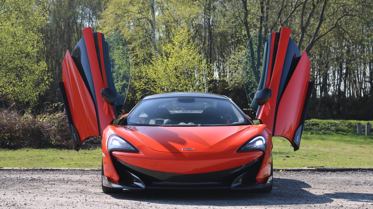 2019 McLaren 600LT - Carbon Packs 1, 2 and 3 - Delivery Mileage SOLD (picture 3 of 6)