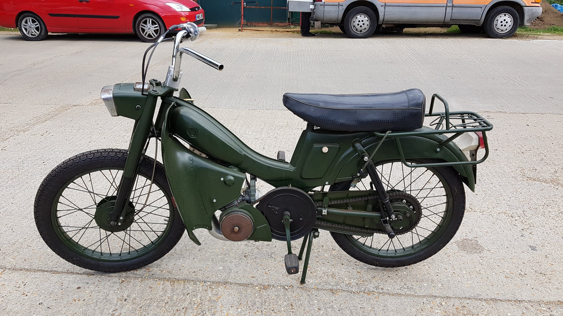 1975 Motobecane Mobylette 50cc, early 70's 2 stroke belt drive. For Sale (picture 1 of 6)