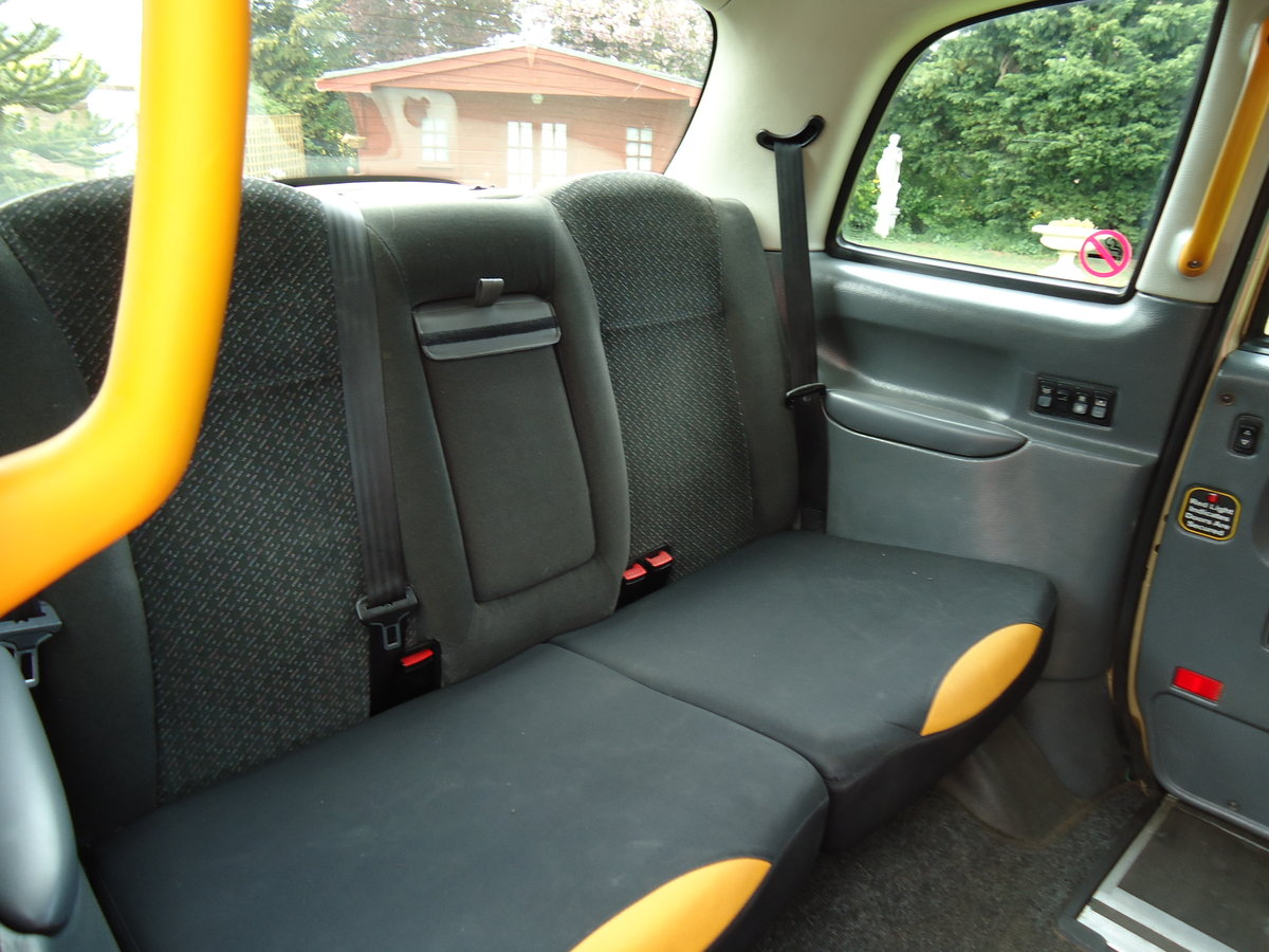 London Taxi 2002 Golden Jubilee Model For Sale (picture 3 of 6)