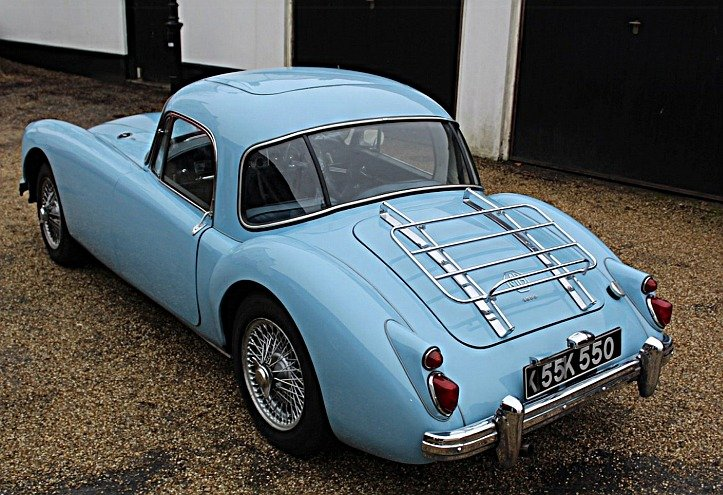 1959 MGA 1600 FHC - Fully restored to Concours Standard! For Sale (picture 5 of 6)