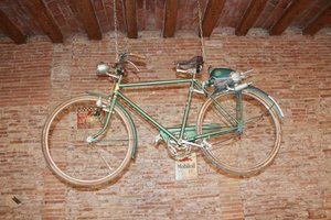 BH RATON 1953 For Sale by Auction