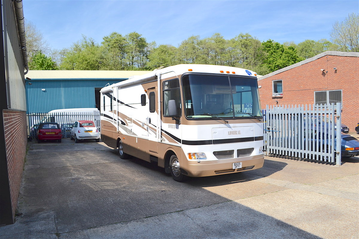 2005 Holiday Rambler Admiral SE LHD For Sale (picture 1 of 6)