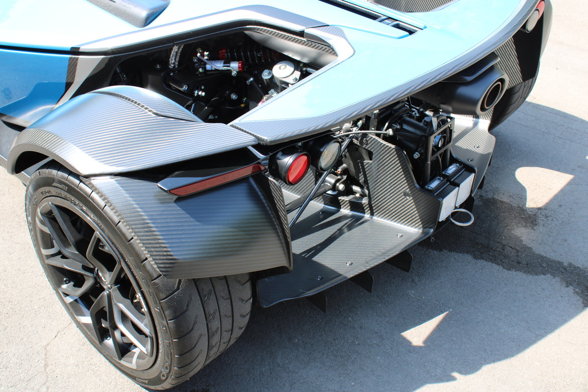 2017 BAC MONO - 1,500 MILES - £159,950 For Sale (picture 8 of 12)