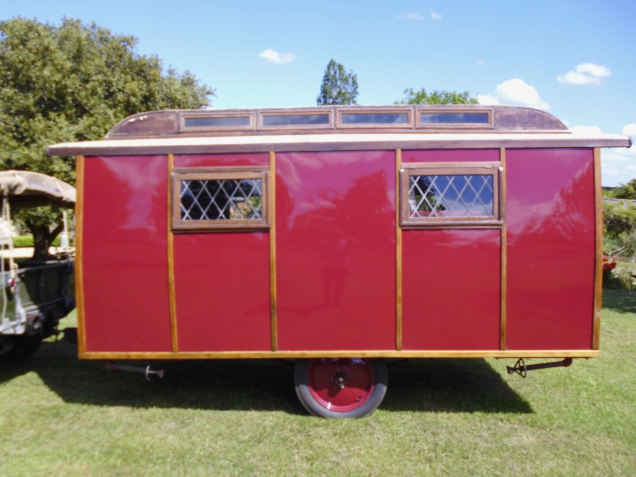 Eccles Vintage touring caravan manufactured 1920 For Sale (picture 2 of 6)
