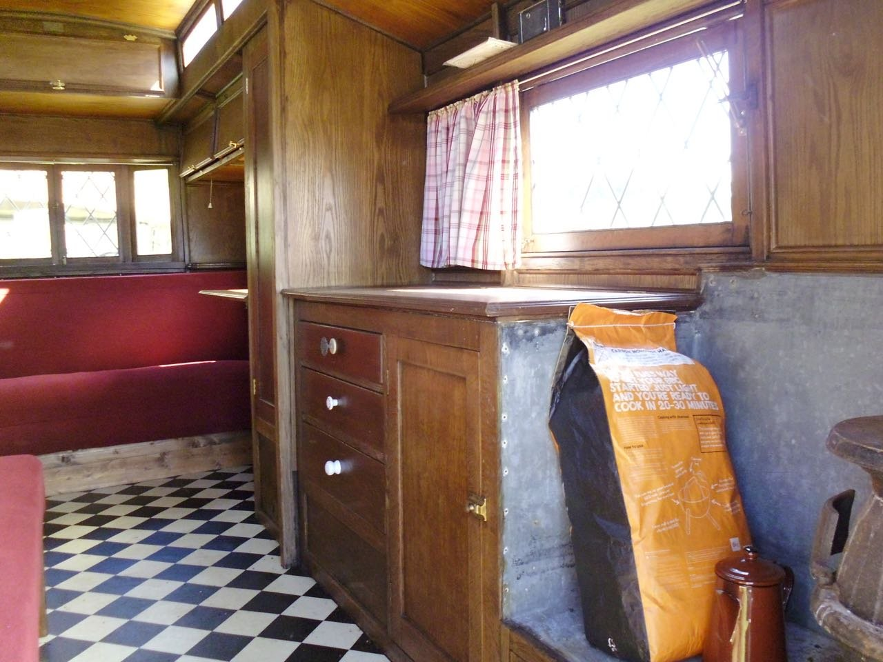 Eccles Vintage touring caravan manufactured 1920 For Sale (picture 6 of 6)