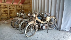 1950 Mobylette x4 barn find
