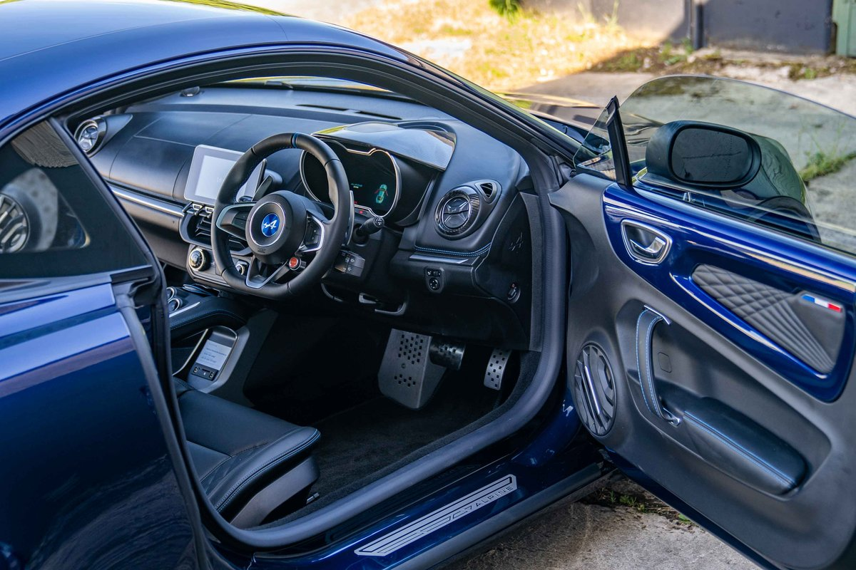 2018 (68) Alpine A110 - LEGENDE - 1,800 miles from new SOLD (picture 4 of 6)