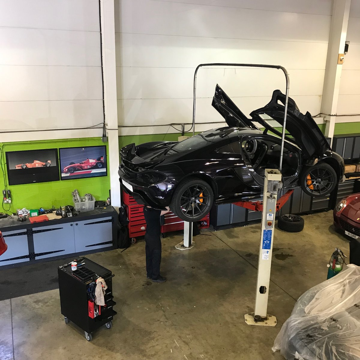 McLaren P1 Servicing & Maintenance  For Sale (picture 3 of 6)