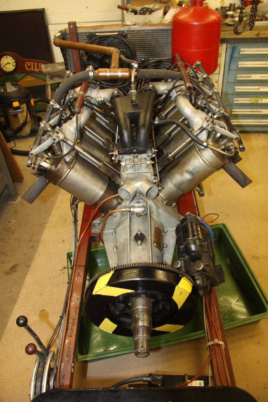 1916 Curtiss 8.2 litre V8 Aero Engine  For Sale (picture 4 of 6)