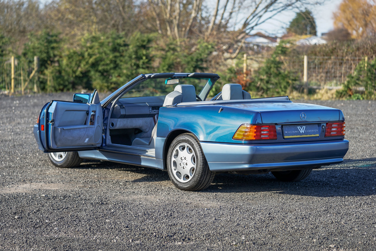 1992 Mercedes-Benz SL 300 R129 Auto Blue Low Mileage Immaculate  For Sale (picture 5 of 6)