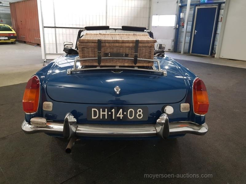 MGB blauw 1972  For Sale by Auction (picture 3 of 6)
