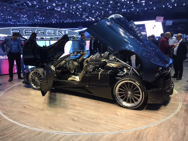 2019 PAGANI HUAYRA ROADSTER NEW LHD OR RHD For Sale (picture 2 of 6)