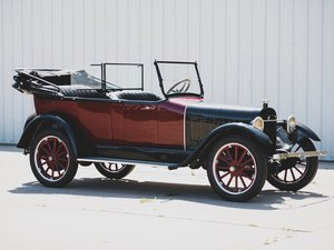 1918 Chalmers 6-30 Touring