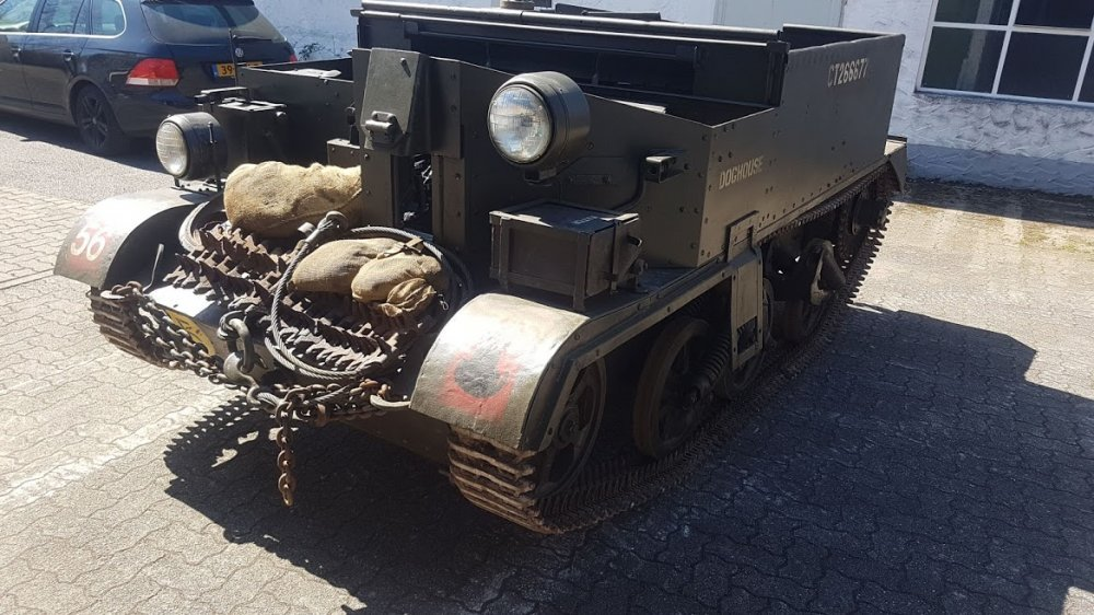 1944 Universal Carrier N0-2 Mk2, Carrier SOLD (picture 5 of 6)