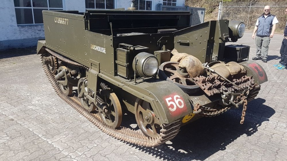 1944 Universal Carrier N0-2 Mk2, Carrier SOLD (picture 6 of 6)