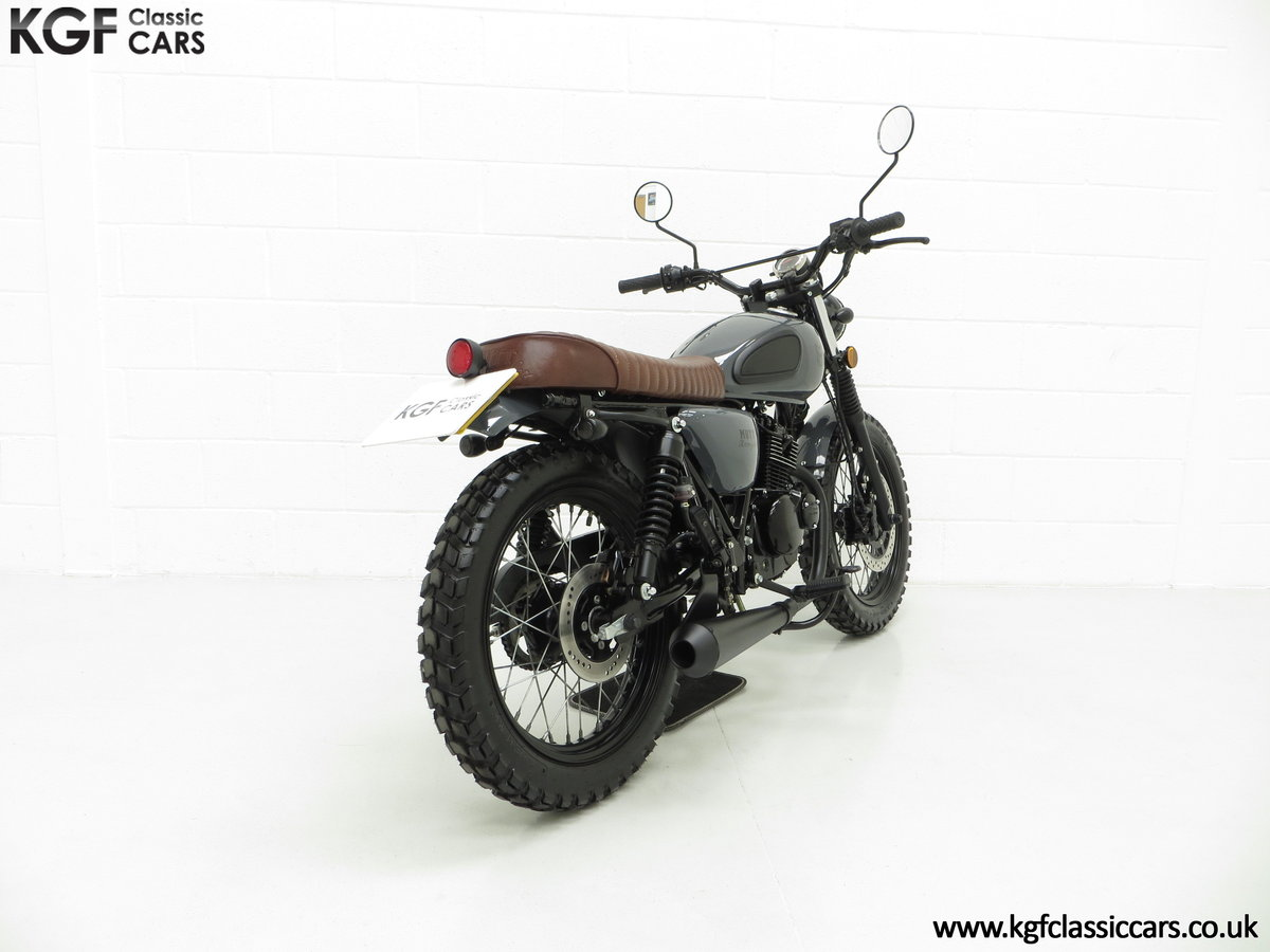 2017 A Custom Mutt Hilts Grey 125, just 1,616 Miles and One Owner SOLD (picture 5 of 6)