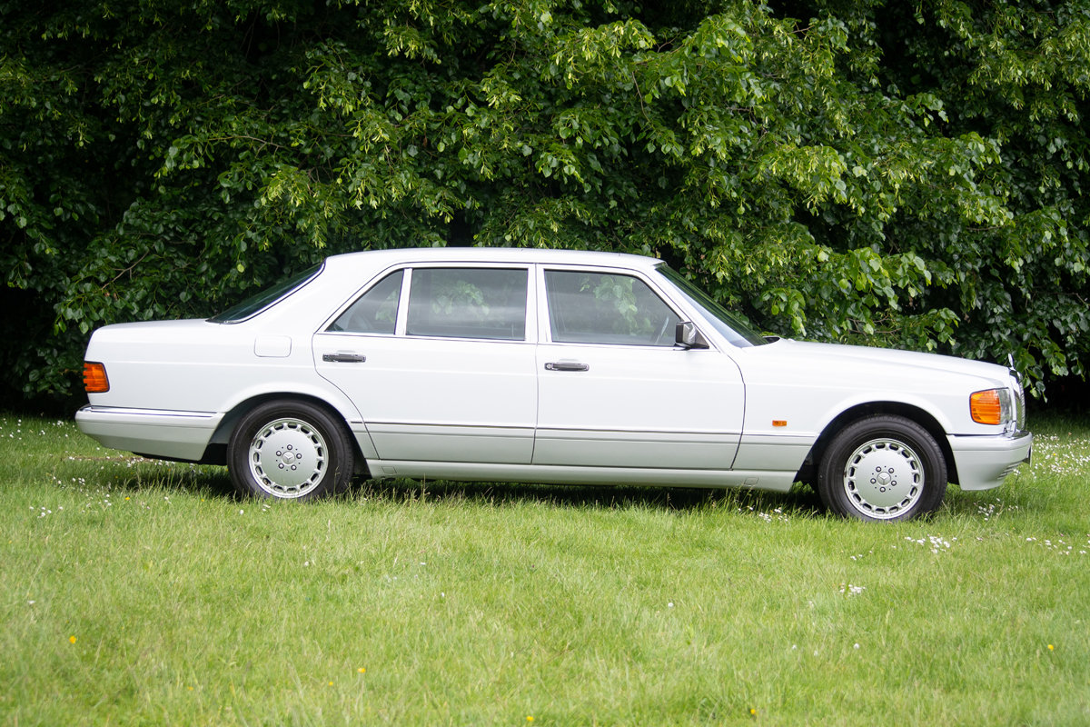 1990 Mercedes-Benz 560 SEL (W126) SOLD by Auction (picture 3 of 6)