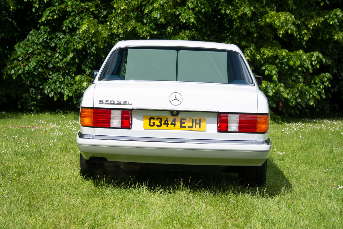 1990 Mercedes-Benz 560 SEL (W126) SOLD by Auction (picture 4 of 6)