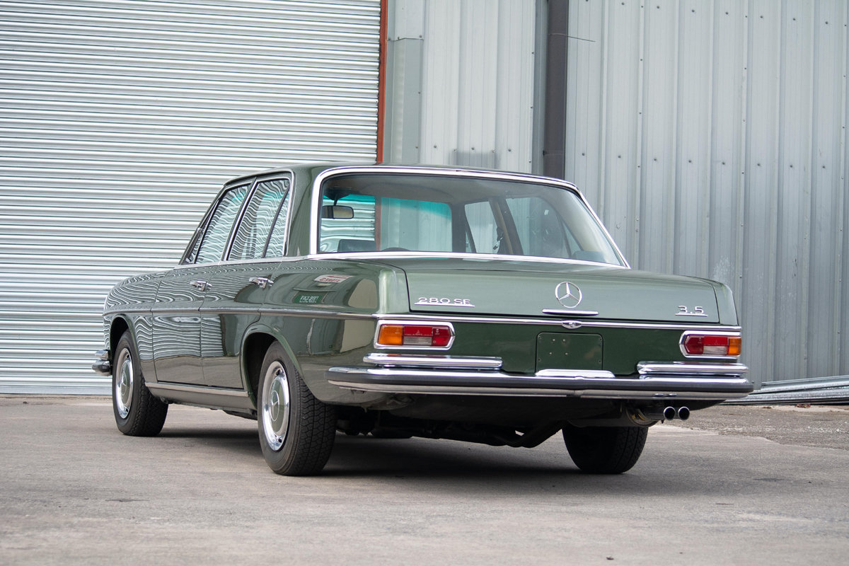 1972 Mercedes-Benz 280SE (W108) 3.5 Saloon SOLD by Auction (picture 3 of 6)