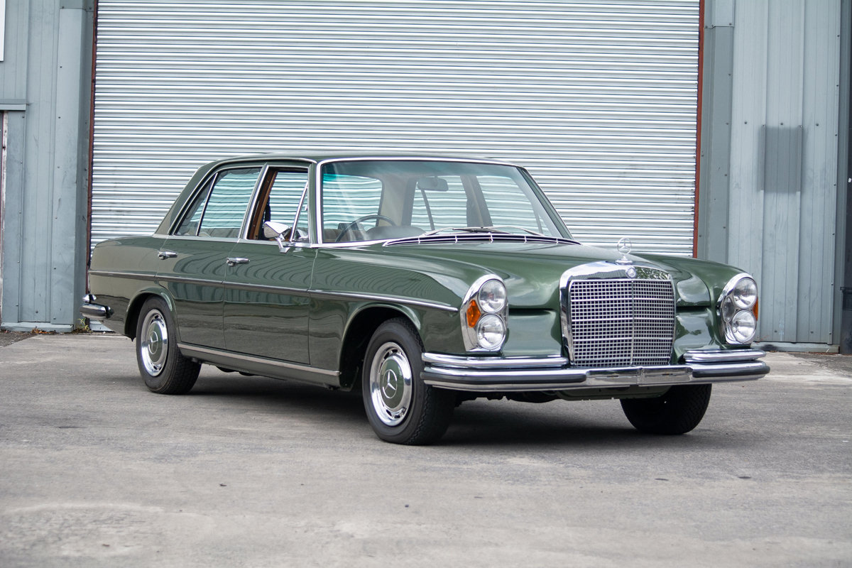 1972 Mercedes-Benz 280SE (W108) 3.5 Saloon SOLD by Auction (picture 5 of 6)