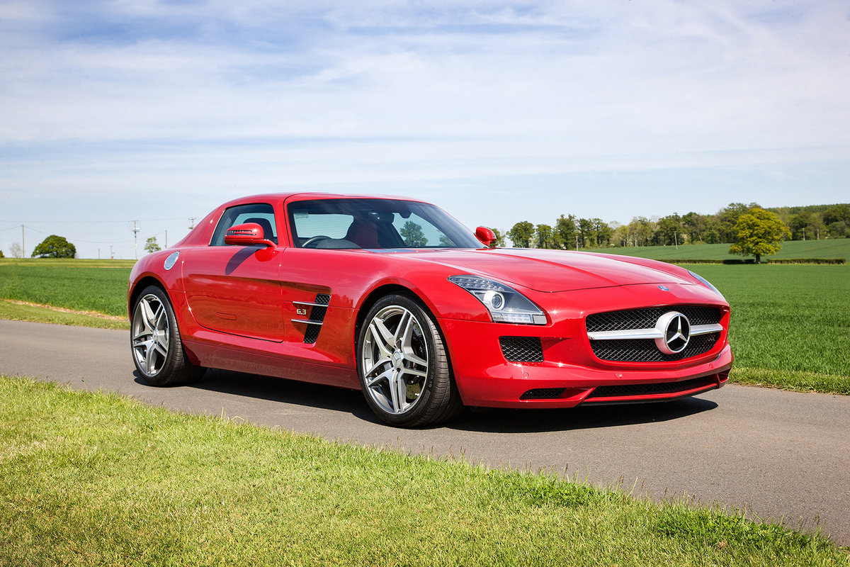 2010 Mercedes-Benz SLS AMG SOLD by Auction (picture 2 of 6)