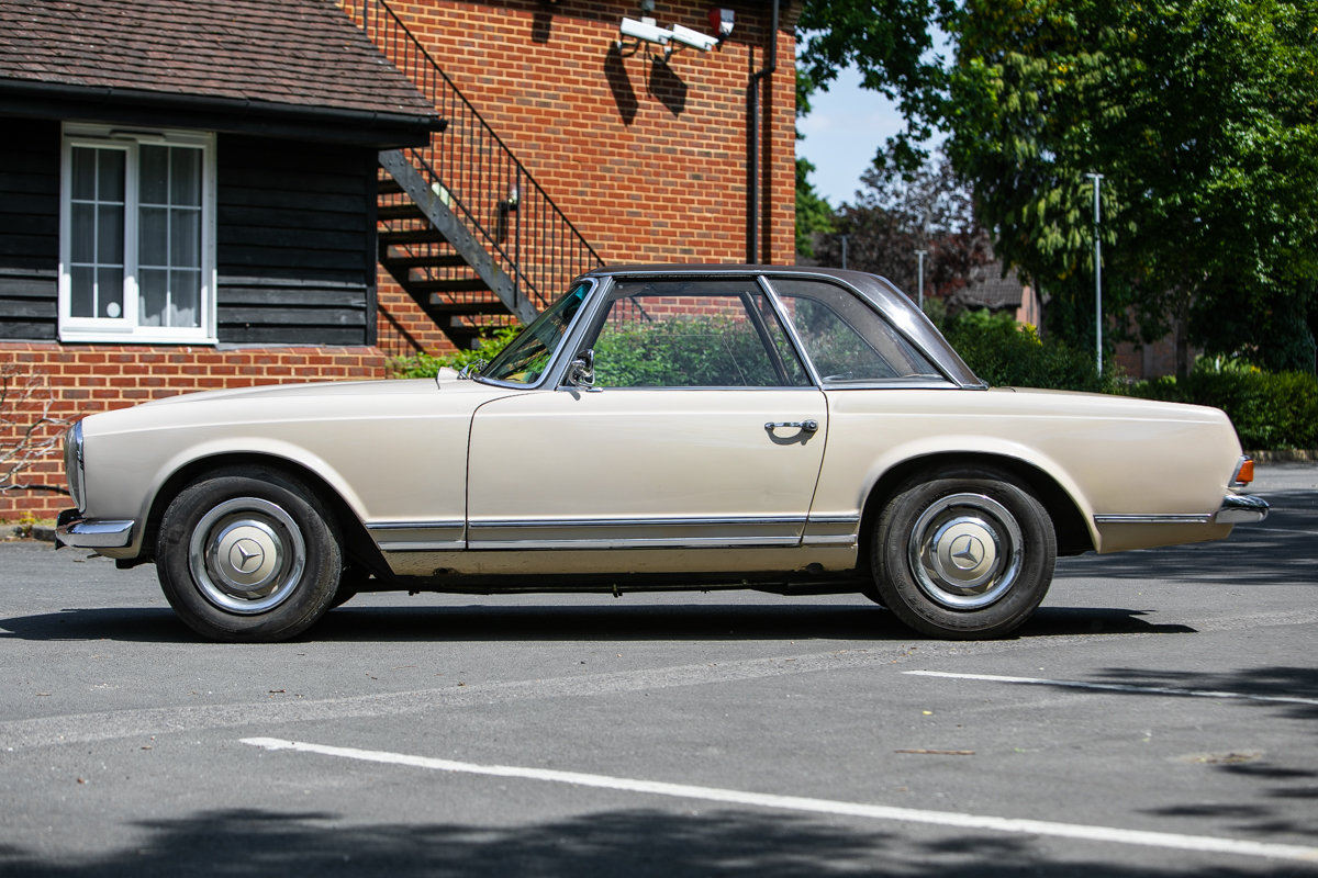 1966 Mercedes-Benz 230 SL Pagoda SOLD by Auction (picture 1 of 6)