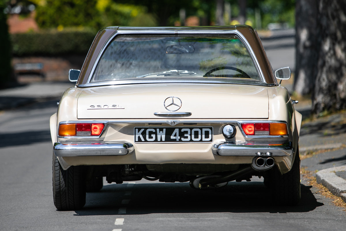 1966 Mercedes-Benz 230 SL Pagoda SOLD by Auction (picture 2 of 6)